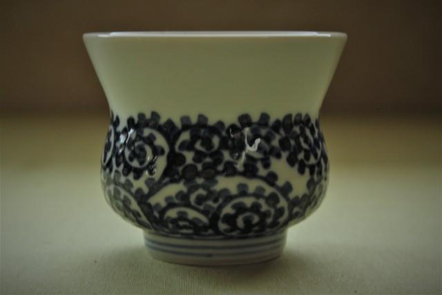 タコ唐草反仙茶碗