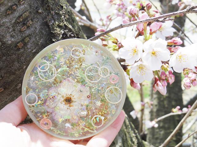 【手の平オルゴナイト】プリズムを切り取った光のオルゴナイト 樹木・四つ葉