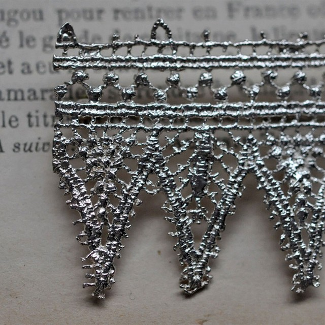 emme - lace brooch -