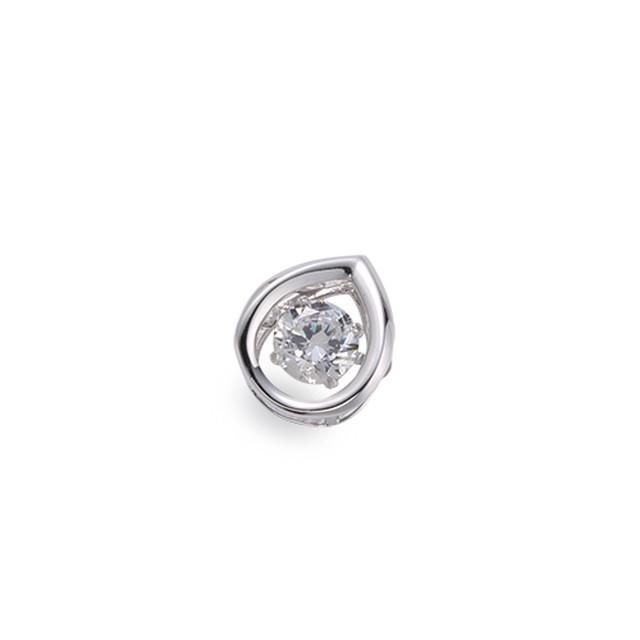 4:揺れるダイヤモンドペンダント0.1ct