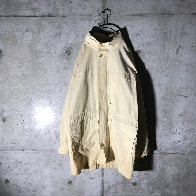 [BURBERRY]cream color light coat