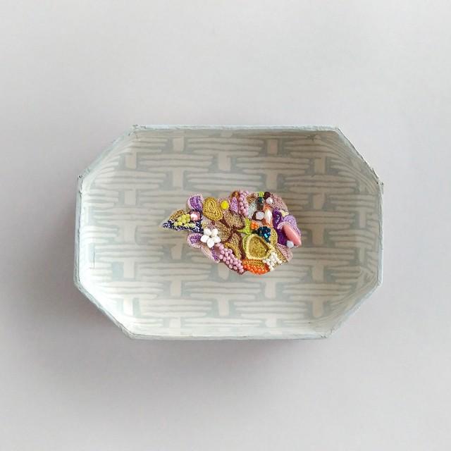 朽ちた花ブローチ<紫陽花>