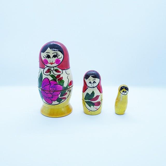 【ロシア】 ミニマトリョーシカ 「ロシアの女の子 B」 3P 7cm