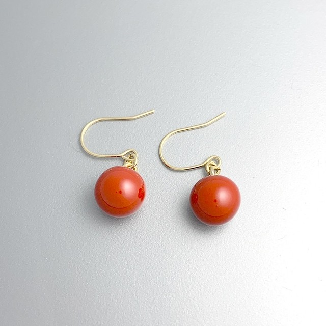 朱漆6mm玉ピアス 6mm ball pierced earrings of the vermilion lacquer coating