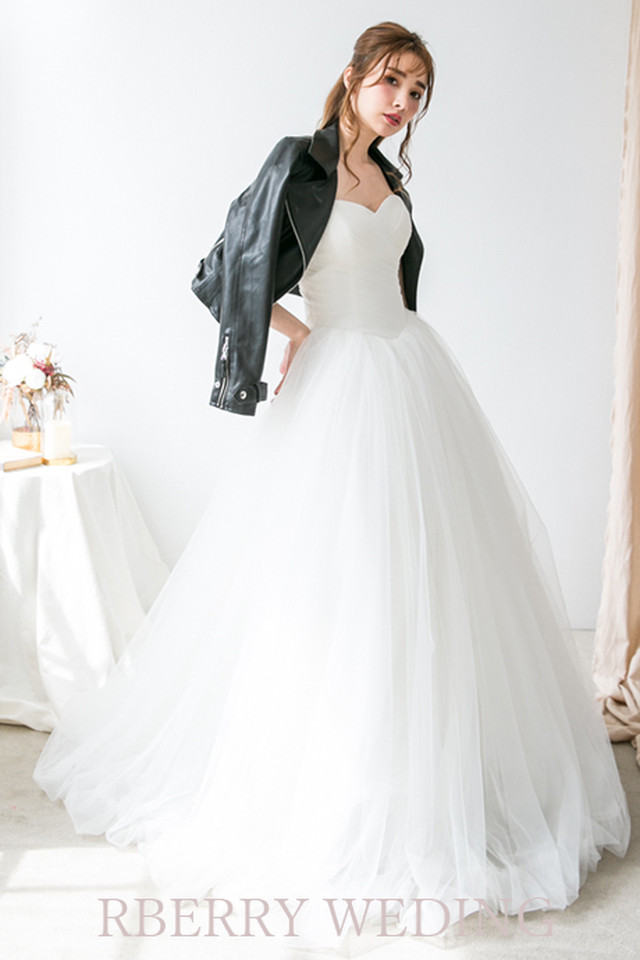 ボリュームたっぷりのチュールが華やか!王道ドレス spn0821(結婚式 2次会 Aライン プリンセスライン)