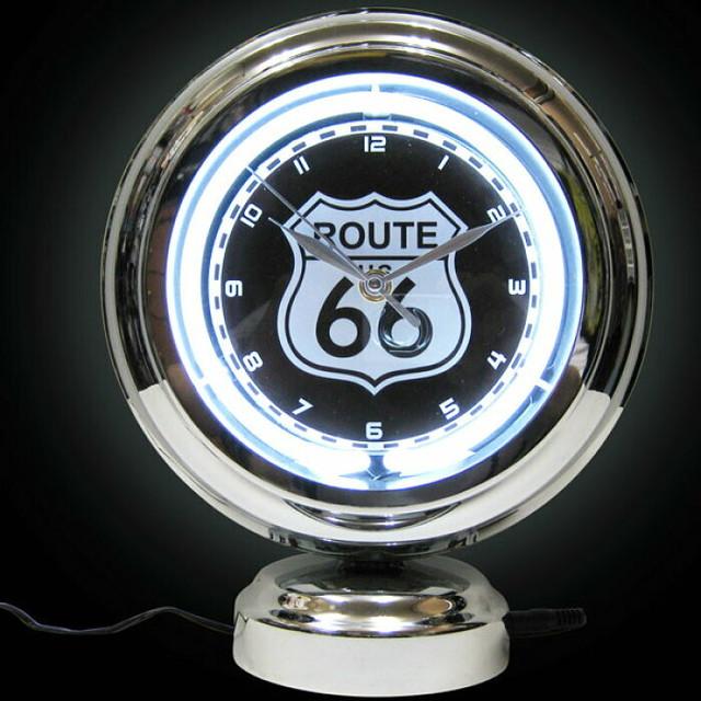 時計☆独特の迫力と存在感をシーンに運んできてくれます!  アメリカンネオンクロック ガスランプ ROUTE66(ルート66) スタンドクロック 置時計 時計 ネオンライト ガレージ バー アメリカ雑貨屋 ネオン看板 西海岸風 インテリア アメリカン雑貨 route66    るーと66