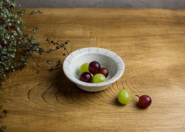 たて鉄線切立リム豆鉢(信楽焼・小鉢・粉引)/古谷 浩一