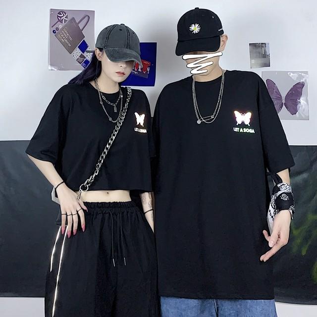 キラキラプリント・バタフライロゴTシャツ