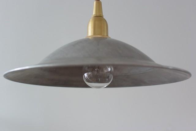 レトロなアルミ電傘照明 (※現行品です)