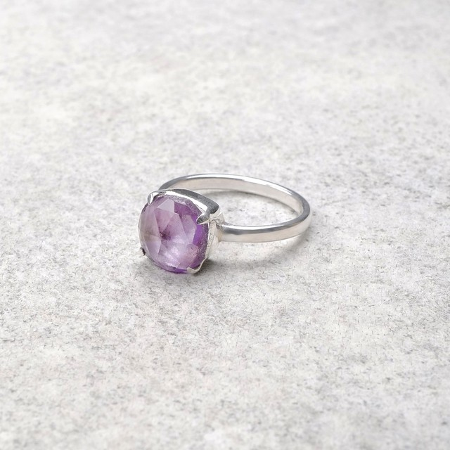 SINGLE STONE NON-ADJUSTABLE RING 098