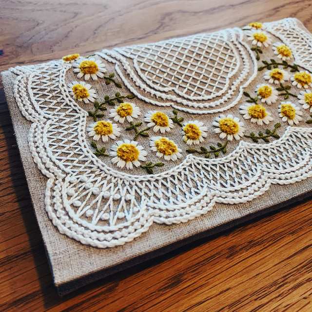 刺繍のキット ミモザの横長ポーチ