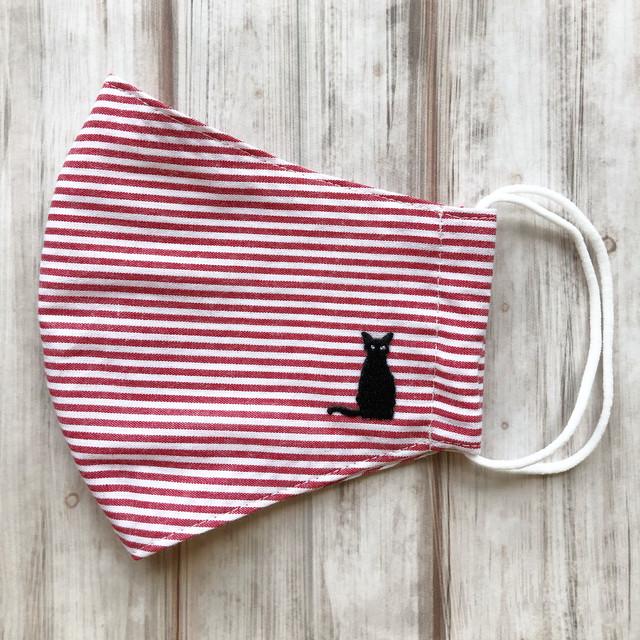 通気性が良くすぐ乾く!耳元まで覆う安心立体型【おすわり黒猫刺繍ワンポイント】