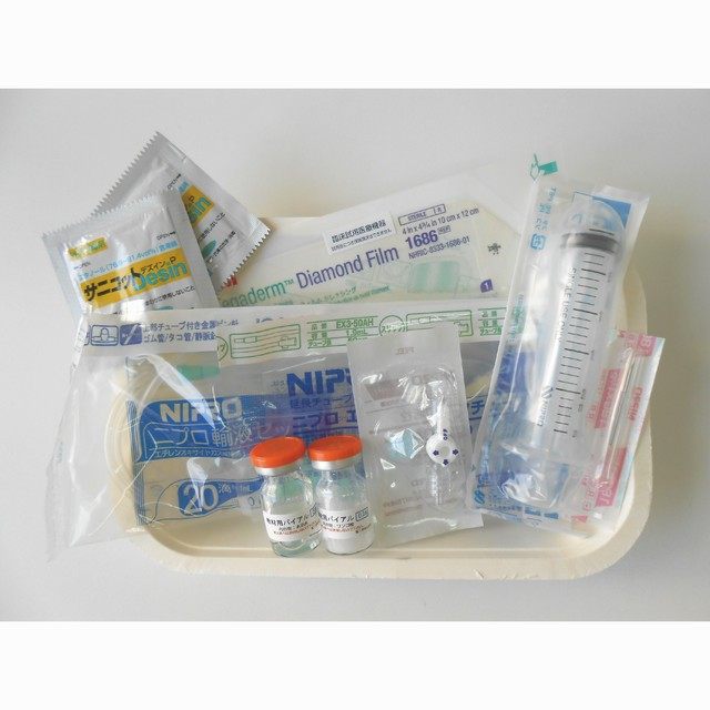 点滴セット(医療機器・医薬品ではありません)※写真は参考例です。セット内容によって価格が変わります。
