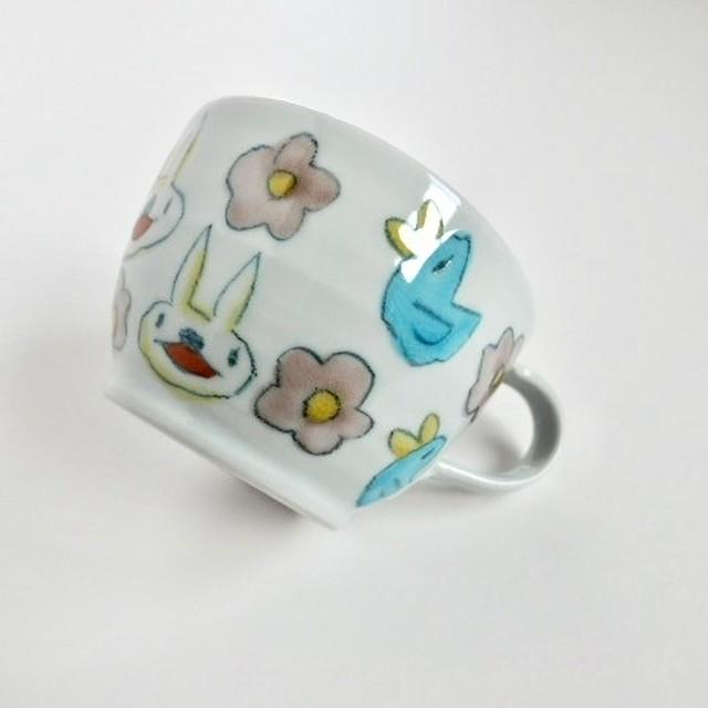 村田菜穂美 丸型スープマグ 『うさちゃんと水色ことりお花もよう』