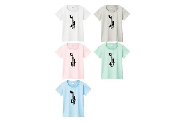 アルトサックスと黒猫のTシャツ