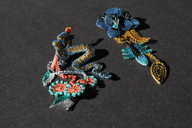 ARRO / Embroidery earring / GARDEN / denim blue