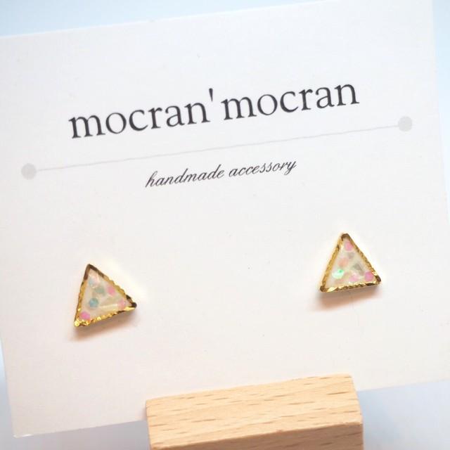 【mocran'mocran】ミニピアス/イヤリング 白・三角