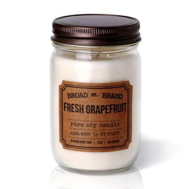 FRESH GRAPEFRUIT CANDLE - BROAD STREET BRAND