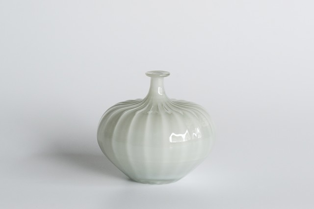 decorative vase no.3 / qualia-glassworks