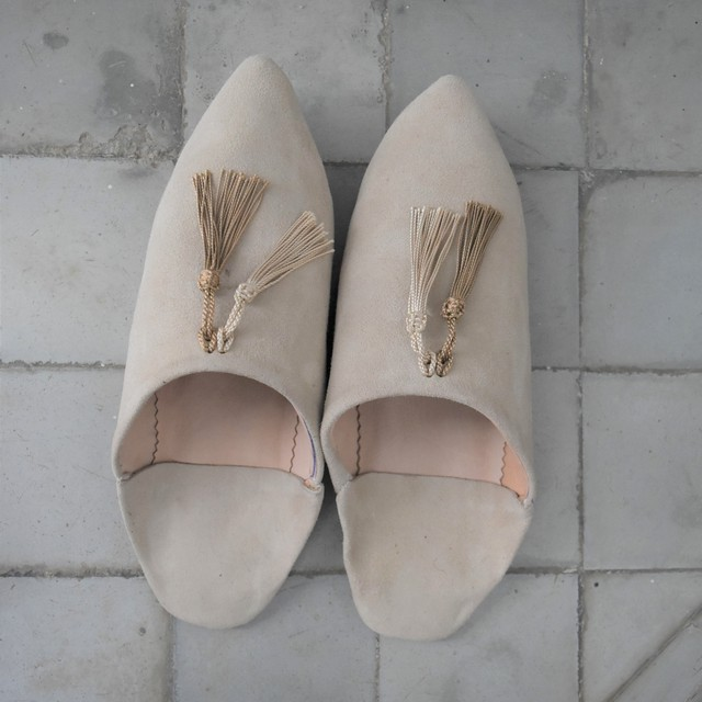 "SØMME / TASSEL BABOUSH  SUEDE ""Light Beige"""