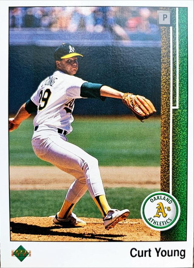 MLBカード 89UPPERDECK Curt Young #392 ATHLETICS