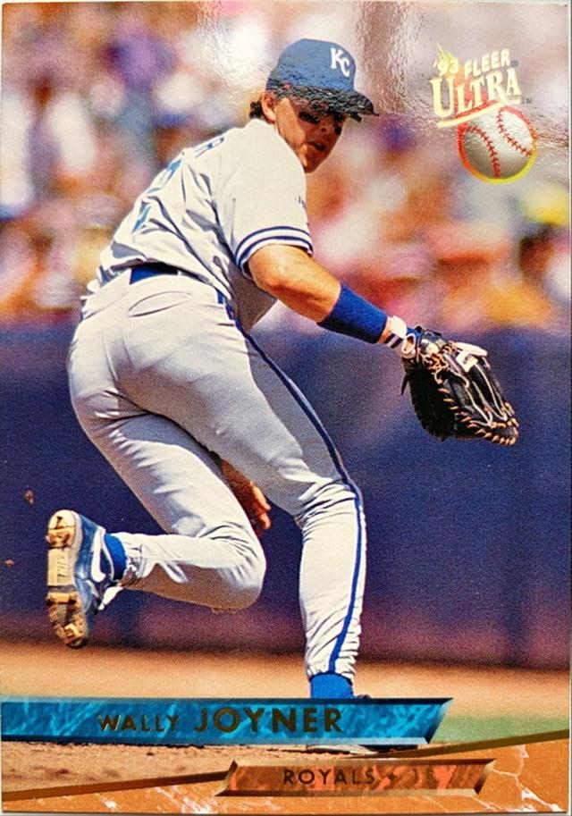 MLBカード 93FLEER Wally Joyner #210 ROYALS