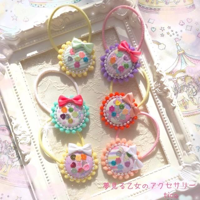 【ロリィタ ファッション】ビーズ刺繍のブローチ