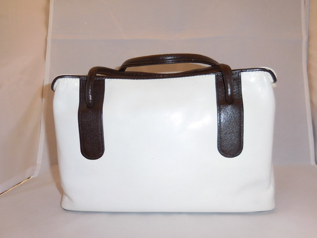 白&こげ茶皮和装バック cowhide vintage bag(made in Japan)white&brown