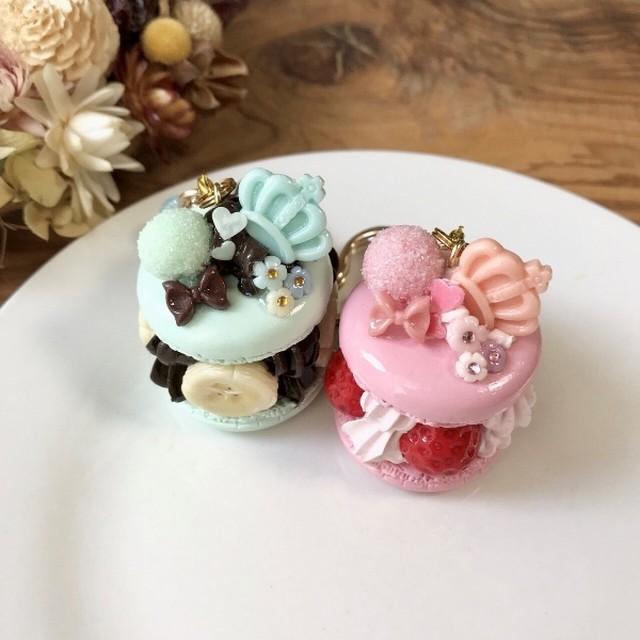 マッド・ハッタ―モチーフの抹茶ケーキ バッグチャーム