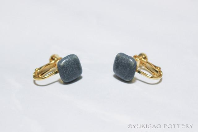 磁器のイヤリング【Gray】