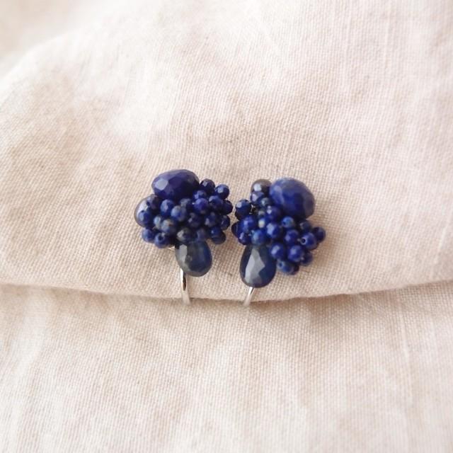 【天然石の刺繍イヤリング】BlueSapphire × LapisLazuli ブルーサファイア・ラピスラズリ