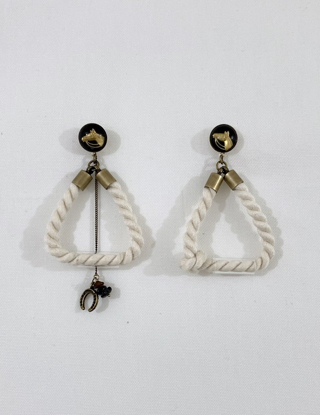 cotton rope earrings horse:white