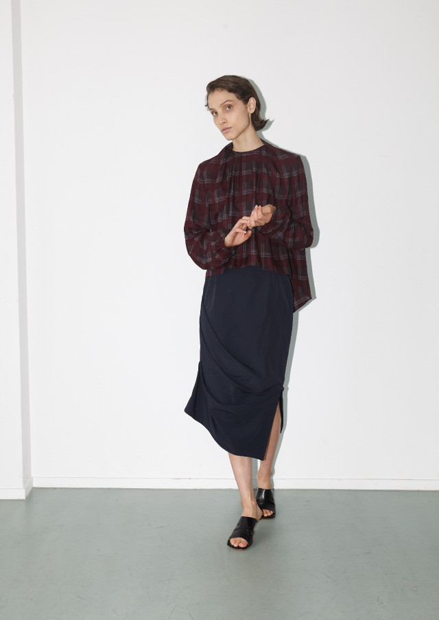 【予約】Plaid drape neck top