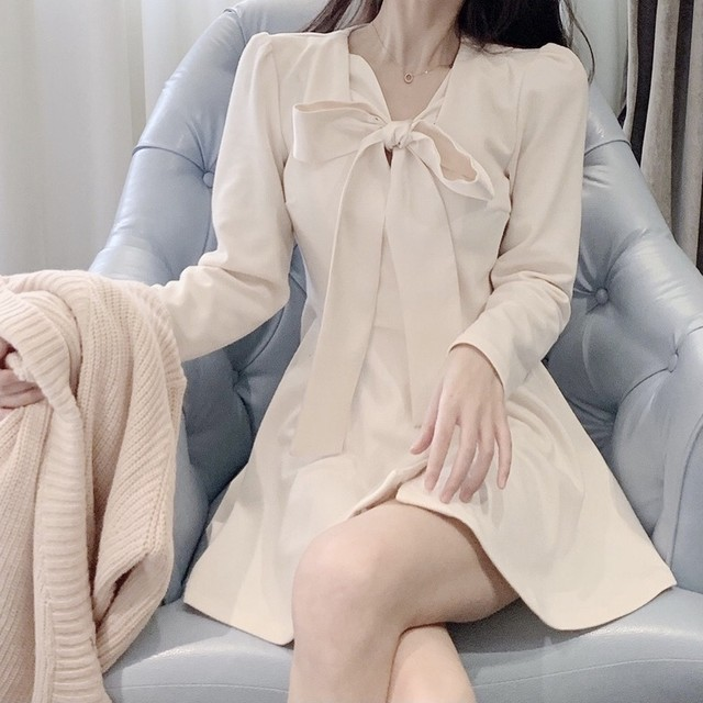 【3/10まで30%OFF!!】上品 シンプル デザイン ミニ ワンピース ホワイト ワンカラー B6320