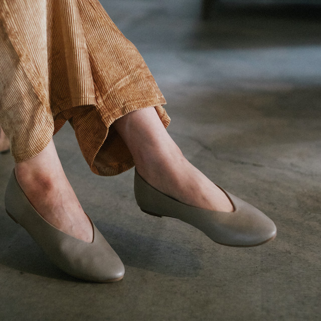 V-cut Soft Flat Shoes_LO12|Vカットソフトフラットシューズ|【AREZZO】|madeinjapan|日本製