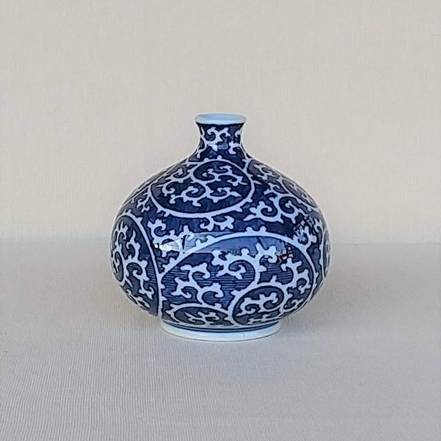 伐太郎窯 染付 濃唐草 丸小花瓶
