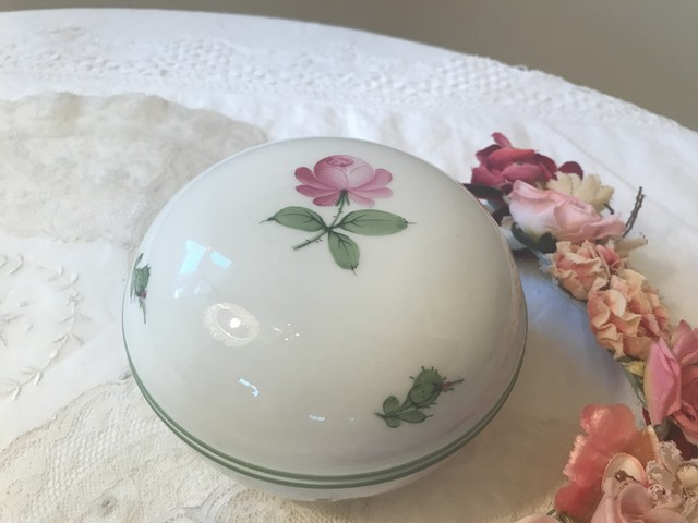 ウィーン 手描き薔薇 陶器の小物入れ