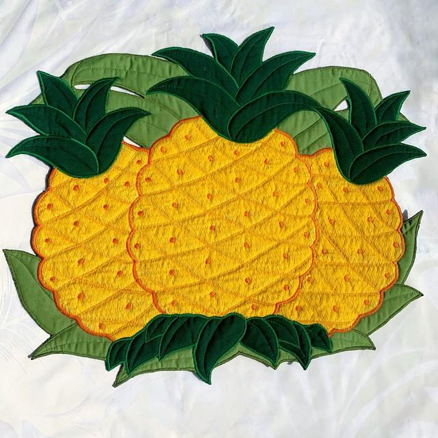 パイナップルモチーフ ランチョンマット