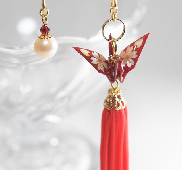 桜螺鈿折り鶴タッセルブルー