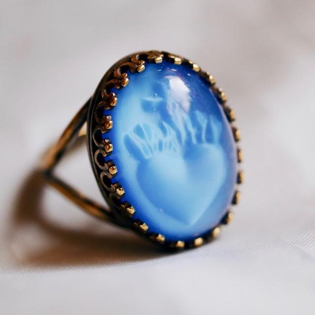 聖なる心臓 ヴィンテージガラスリング(指輪)ブルー