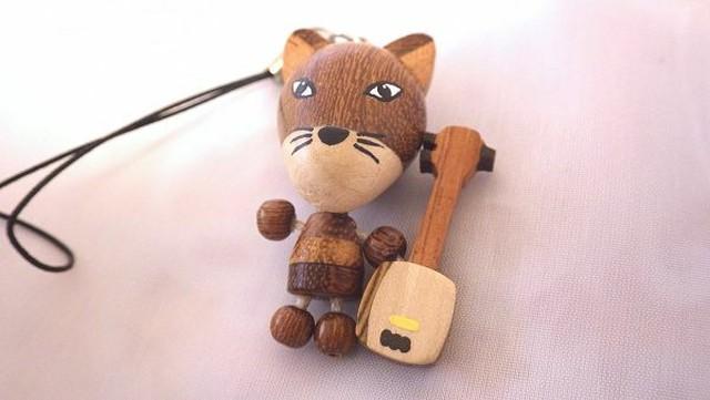 三味線きつね 動物と和楽器の木製ストラップ
