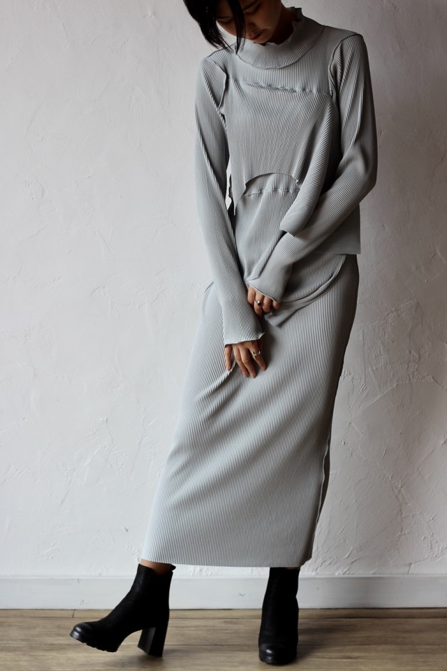 【kotohayokozawa】pleats dress long sleeve high neck-gray