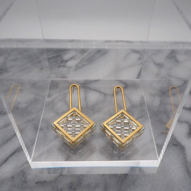 SOPHIA  CRYSTAL  EARRINGS (ピアス)