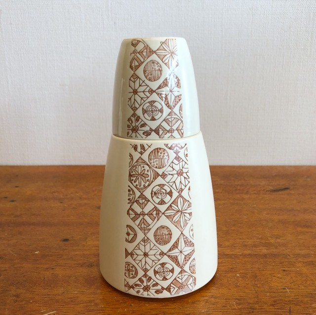 レトロな冠水瓶