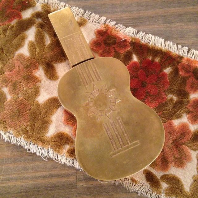 Vintage Compact / Trousse, Guitar shape