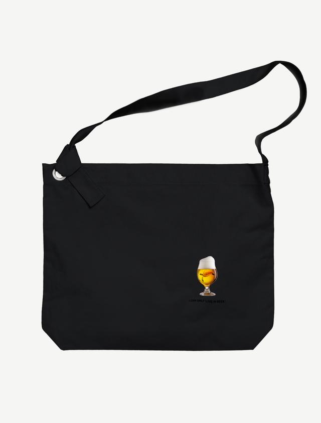 【ビールの中でしか・・・ウミガメ】ビッグショルダーバッグ(ブラック)