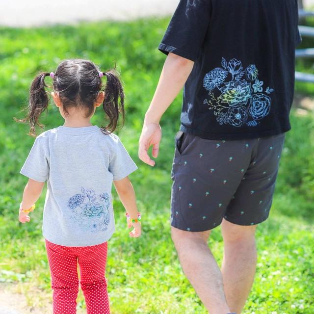 【Flowers_バックプリント】ママとパパとキッズの親子リンクコーデTシャツ
