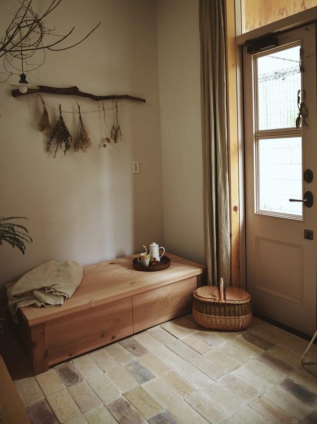 木製のストレージベンチ