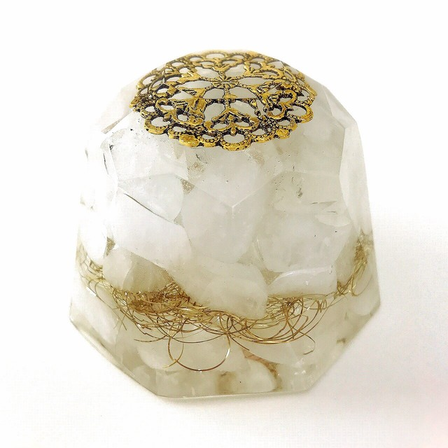 ダイヤモンド型オルゴナイト・89~ミルキークォーツ(永遠の愛・幸福の石・恋愛成就)~
