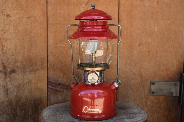 USED Works! 60s Coleman 200A Lantern Maroon -1962/07 G0740